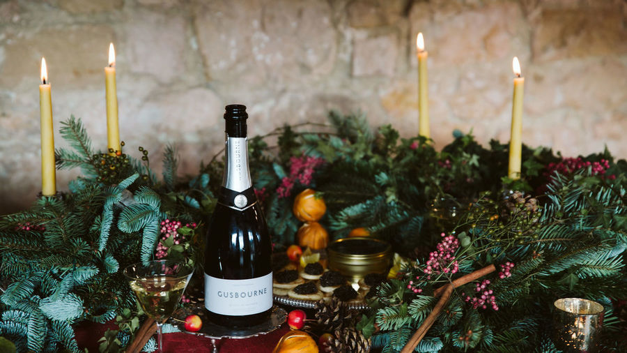 Sorn Gusbourne Christmas Table Sparkling Wine